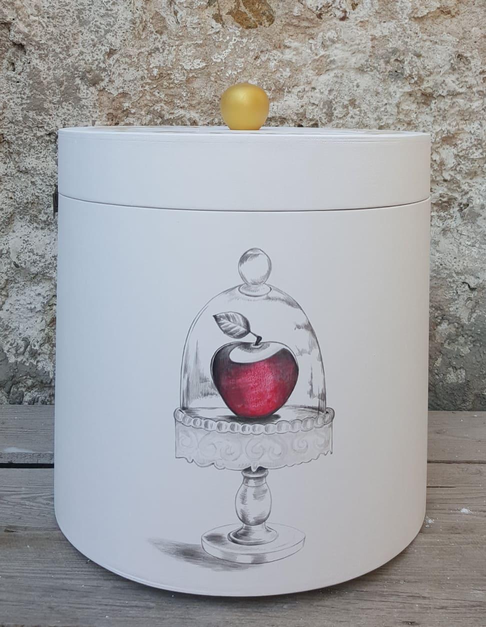 Το Μήλο της Χιονάτης